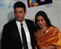 News video: Vidya and Siddharth at Zee Cine Awards 2013